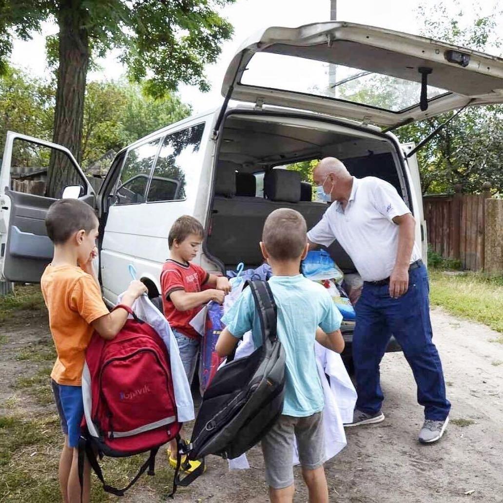 Viktor kör. ryggsäckar, skoltillbehör till barnen